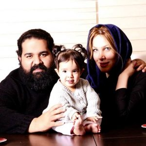 رضا-صادقی-و-همسرش