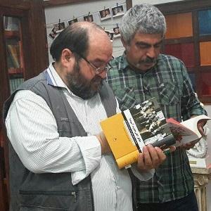 عکس حمید داوودآبادی در برنامه کتاب باز