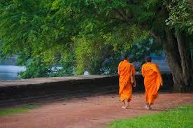 ماجرای دو راهب بودایی و زن جوان