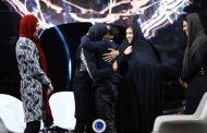 لحظه دیدار سهیلا، الهه و شهربانو منصوریان با پدر