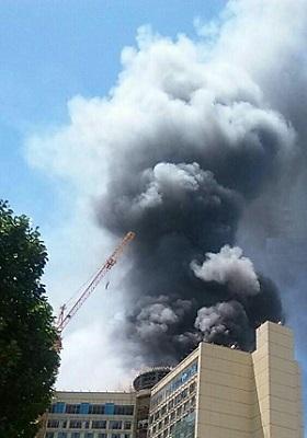 آتش سوزی در هتل روتانا مشهد + ریزش بخشهایی از هتل + عکس و فیلم
