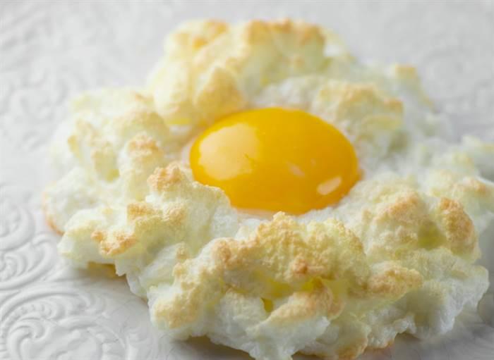 طرز تهیه تخم مرغ ابری چیست؟ (روش پخت تخم مرغ برای کاهش وزن)