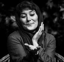 عکس رویا افشار در صحنه تئاتر