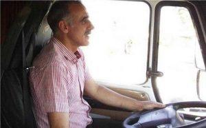 عکس محمد احمدزاده و کامیونش(تریلی اش)