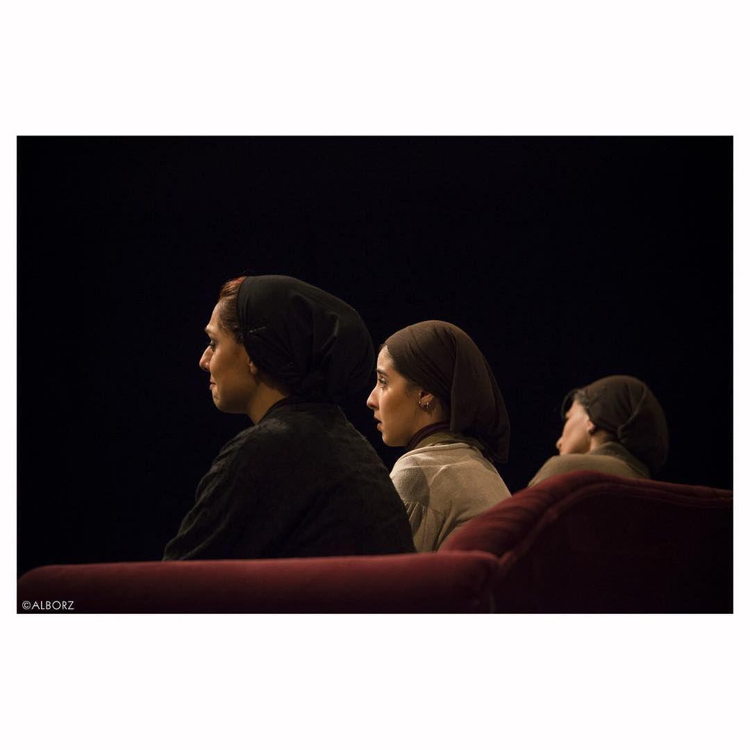 تئاتر حسن معجونی (نمایش سه خواهر)