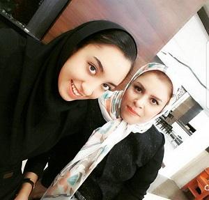 عکس کیمیا علیزاده و مادرش