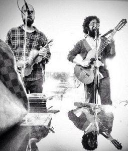 آذرخش فراهانی سرپرست گروه موسیقی کوچ نشین
