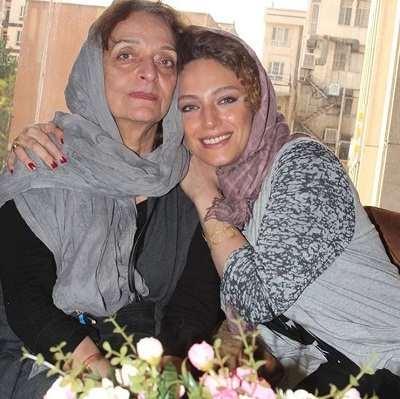عکس نگین معتضدی و مادرش