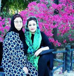 عکس همسر حامد آهنگی و مادرش
