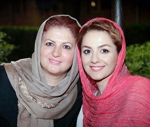 عکس بیتا سحرخیز و مادرش