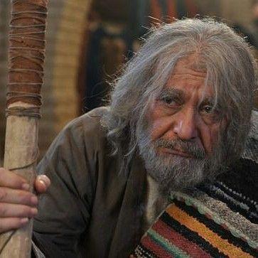 عکس داریوش کاردان در نقش گدای مسکین(تبریز در مه)