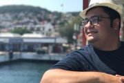 بیوگرافی محمدرضا مقدم (خواننده) + عکس های اینستاگرامی