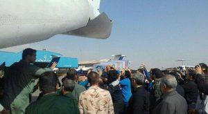 لحظه انتقال پیکر مطهر شهید حججی به هواپیما جهت عزیمت به اصفهان