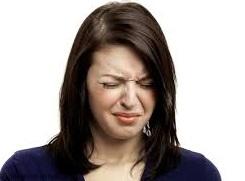 علت تلخی دهان چیست؟ + راه برطرف کردن تلخی دهان