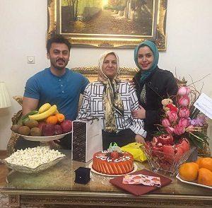 عکس جشن تولد مادر نجمه جودکی
