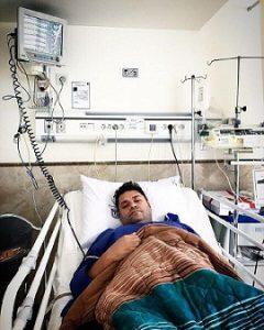 عکسغلامرضا صنعتگر در بیمارستان