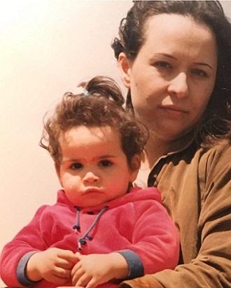 عکس آزیتا حاجیان و دخترش
