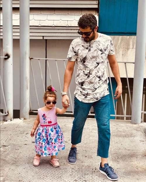 عکس مجتبی پیرزاده و دخترش رونا پیرزاده