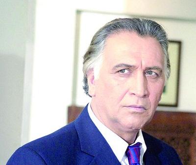 علت گل گرفتن درب شورای صنفی نمایش توسط احمد نجفی چیست؟
