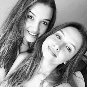 عکس لیلا لیدا توگوتلو و خواهرش مارال