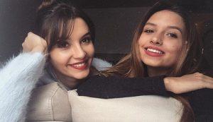 عکس مارال توغوتلو در کنار خواهرش