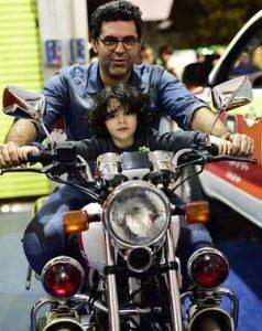 عکس مصطفی کیایی و پسرش کارن