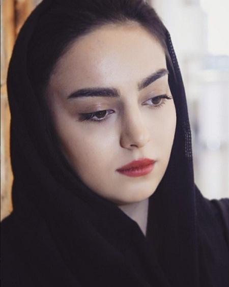 بازیگر جوانی مارال در سریال آنام