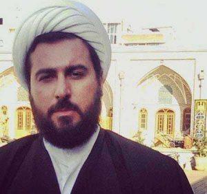محسن کیایی در لباس روحانی در بارکد