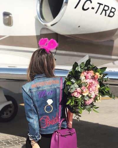 آخرین عکس مینا باشاران قبل از سقوط هواپیما