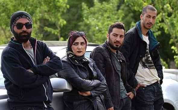 بهرام افشاری در کنار نوید محمد زاده و باران کوثری