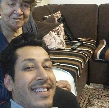 بهرام افشاری و مادربزرگش