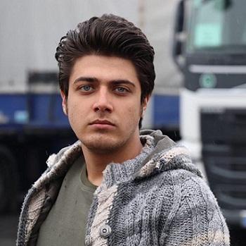 علی مسلمی بازیگر نقش مهیار در سریال هست و نیست