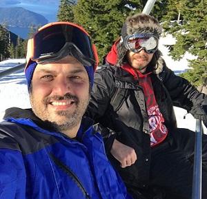 سام درخشانی در حال اسکی در کانادا