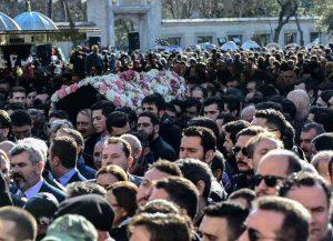 تصاویر مراسم خاکسپاری مینا باشاران 4