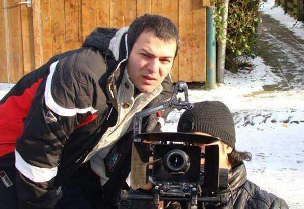 امید آهنگر در حال فیلمسازی