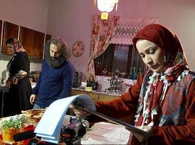 عکس نسرین نصرتی در کنار محسن تنابنده