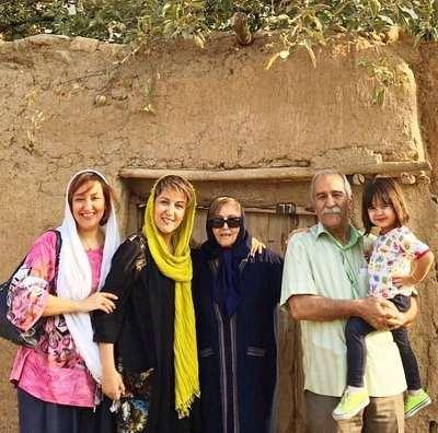 عکس پانته آ بهرام و خانواده اش