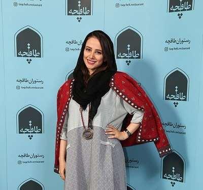 الناز جبیبی در مراسم افتتاح رستوران لاله اسکندری و همسرش