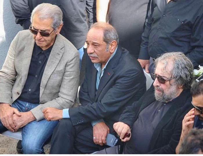 حضور مسعود کیمیایی داریوش فرهنگ فرامرز قریبیان در مراسم خاکسپاری ناصر ملک مطیعی