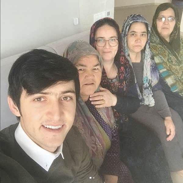 خاله های سردار آزمون در روسیه