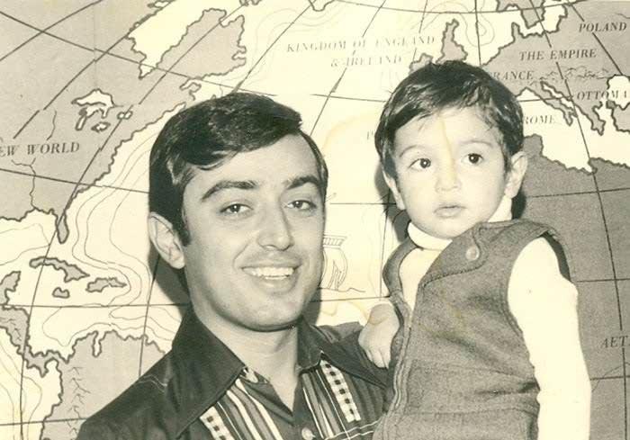 عکس شهید علی اقبالی و پسرش افشین
