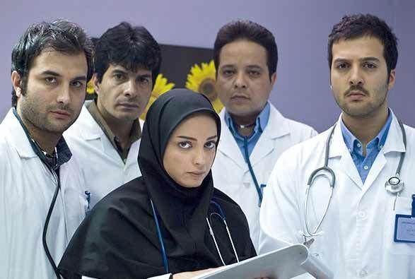 مریم عبدالملکی بازیگر نقش دکتر فرشته کریمی در سریال زمین انسانها