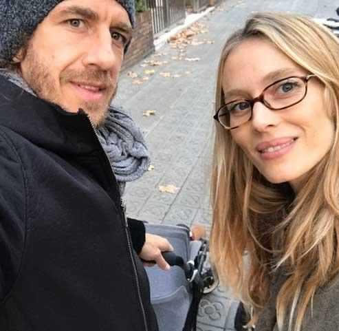 عکس کارلوس پویول و همسرش