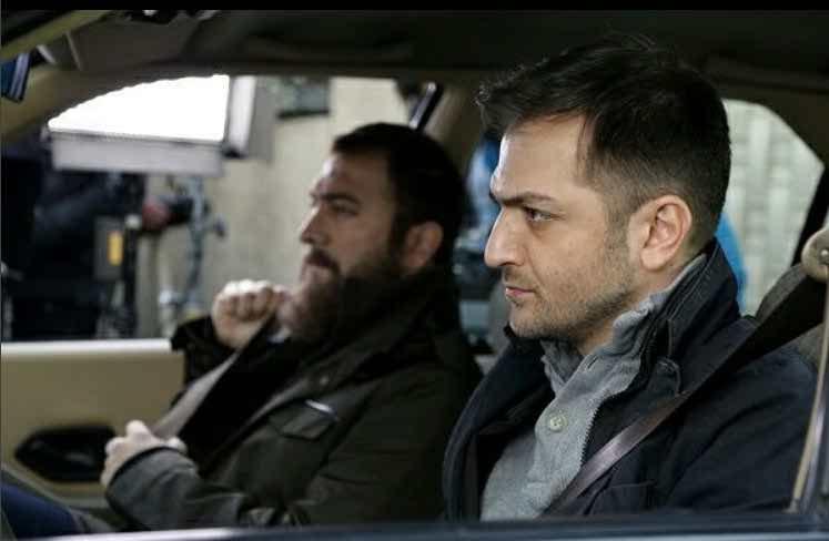 نمایی از هادی دیباجی و مجید صالحی در سریال آسپرین