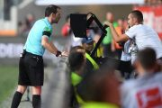 var چیست؟ + قانون کمک داور ویدئویی در فوتبال