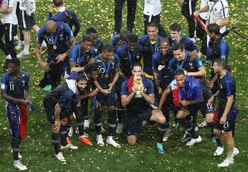 شادی بازیکنان فرانسه پس از قهرمانی