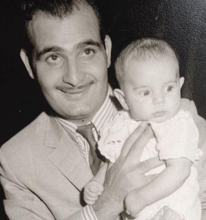 عکس کودکی قیصر خواننده و پدرش