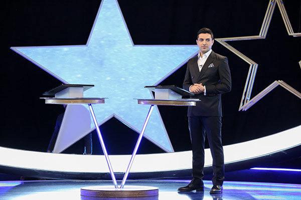 اشکان خطیبی مجری مسابقه پنج ستاره