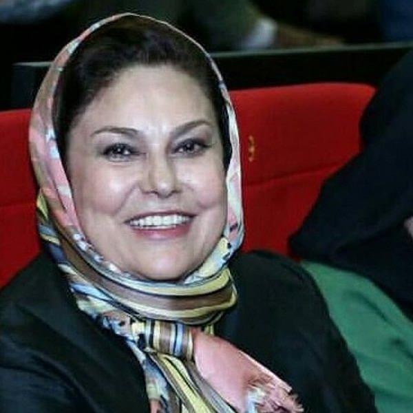 بیوگرافی مهرانه مهین ترابی و عکس های اینستاگرامی اش