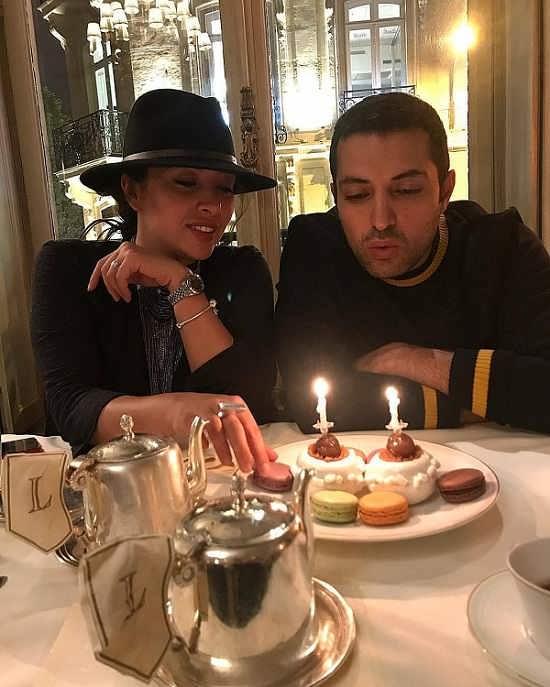 جشن تولد ۳۸ سالگی اشکان خطیبی در کنار همسرش در فرانسه